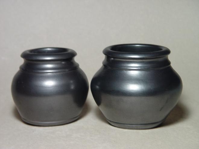 Small Smoked Jars: Porcelain, terrasigilata, graphite, pit-fired